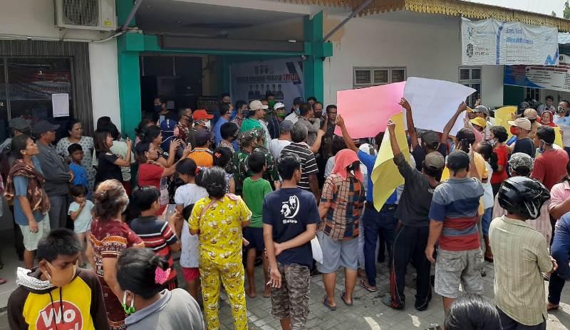 Tolak Pengangkatan Kepling Warga Geruduk Kantor Camat Medan Labuhan Medan Pos Online